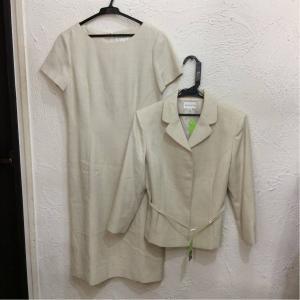 RIFANNE RlFANNE ジャケット+半袖ワンピース ベージュ生成色&金ラメ地柄色 ベルト付き サイズ11AR bimota