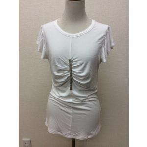 ゲス 白のフリル袖カットソー 胸にキラキラ飾り付き サイズM|bimota
