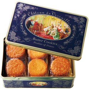 18世紀フランスの社交界が描かれた缶に、上品な甘さの薄焼きガレット とバター味の厚焼きパレットを詰め...