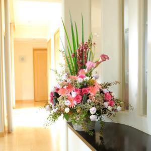 デザイナーズフラワーMサイズ エレガント系(ピンク) (3万円コース)|biz-hana