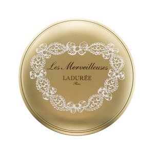 『レ・メルヴェイユーズ ラデュレ プレスト パウダー』用のケースです。 ブラシ付き。