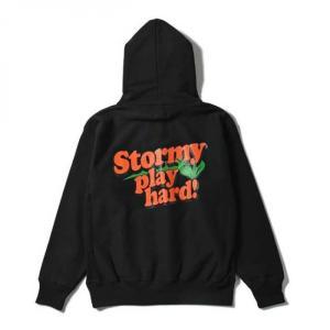 【STORMY ORIGINALS ストーミーオリジナルス】STORMY PLAY HARD PULLOVER HOODSWEAT(BLACK) パーカースウェット ビッグサイズ フーディ|blackannyfujisawayh