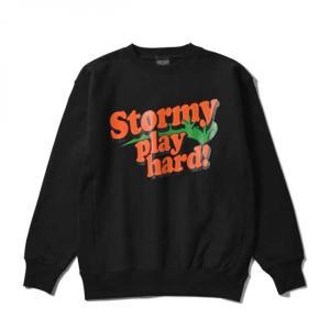 【STORMY ORIGINALS ストーミーオリジナルス】STORMY PLAY HARD CREWNECK SWEAT(BLACK) クルースウェット ビッグサイズ トレーナー|blackannyfujisawayh