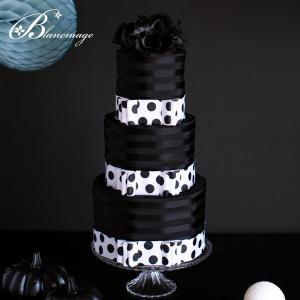 コサージュ付 おしゃれなママへのおむつケーキ ブラック ドット(水玉)おむつケーキ 送料無料 出産祝い 黒 モノトーン シック|blancmage