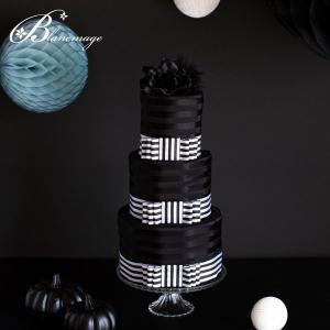 究極のシンプルモダン、ブラックおむつケーキです。 モノトーンのブラック&ホワイトだけで仕上げた スタ...