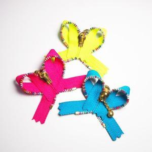 リボンジッパーピンバッチ Ribbon shaped Zipper pins  Royal Freedom ロイヤルフリーダム&blancoron|blancoron