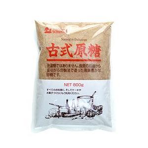 ○化学的精製がなされていないミネラル成分をたっぷりと含んだ砂糖です。原料粗糖を漉し、鉄釜で煮詰め撹拌...