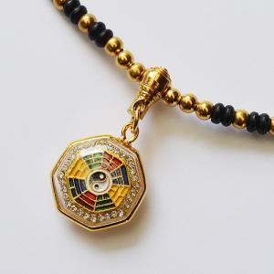 プラクルアン(チェーン付)  ★タイのお守りペンダント「プラクルアン」です。  仏教国タイに伝わる神...