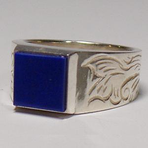 メンズ 指輪 印台リング アラベスク 刻印 ネーム入れ 天然石 ラピスラズリ 青 唐草NM シルバー925|bluelace