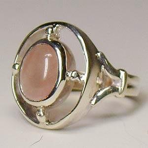 シルバーリング 指輪 ピンクの天然石 ローズクォーツ シルバー925 ヴィクトリアンストーンズ|bluelace