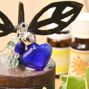アロマペンダント ネックレス アロマディフューザー ハート 青 ガラス 天然石|bluelace