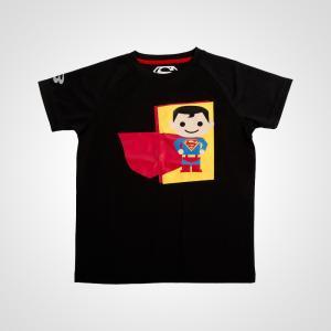 吸汗・速乾に優れた素材のKIDSスポーツTシャツ。胸にはかわいいSUPERMANプリントを載せて背中...