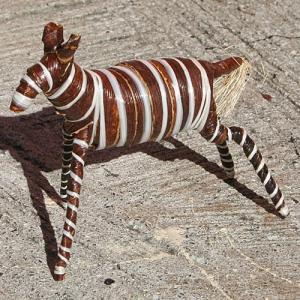 アフリカ ケニア バナナファイバー アニマル 動物 シマウマ (Mサイズ) 置き物|bogolanmarket