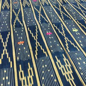 アフリカ コートジボワール バウレ 手織り 藍染め 腰巻き古布 No.4 飾り布 バウレ族|bogolanmarket