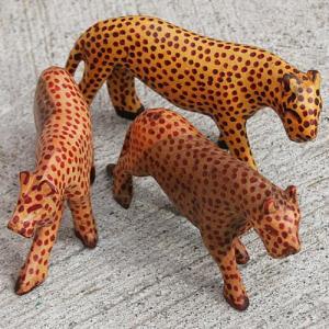 アフリカ ケニア チーター 木彫り 置き物 人形|bogolanmarket
