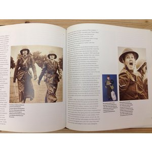 洋書 制服 軍服/Brassey's Book of Uniforms/Tim Newark/Brasseys Uk Ltd 【送料300円】|books-ohta-y|06