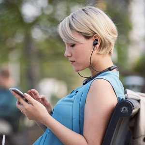 【10%OFFクーポン対象製品】Bose QuietControl 30 wireless headphones : ワイヤレスノイズキャンセリングイヤホン ネックバンド式/リモコン・マイク付き|bose|05