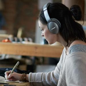 【ボーズ公式ストア】 Bose QuietComfort 35 wireless headphones : ワイヤレスノイズキャンセリングヘッドホン Bluetooth・NFC対応/リモコン・マイク付き|bose|05