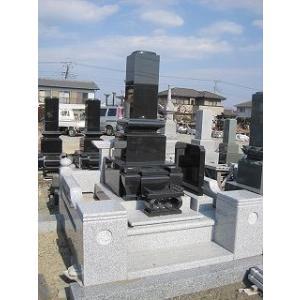墓石 黒御影石(インド産) 石塔1尺30cm 外柵180cm角  高さ2.0m|bosekinodaimon