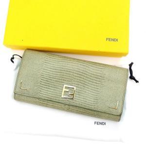 フェンディ FENDI 長財布 三つ折り財布 レディース FFプレート 中古 人気 セール H429