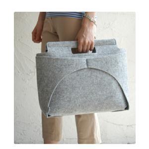 MOCO BAG /cool gray 手提げバッグ トートバッグ 印デザインパンチカーペットユニセックスファッション印デザインインテリア雑貨ギフト プレゼント|bricbloc