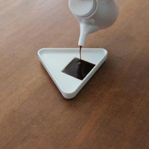 224porcelainおにぎり 白しょうゆ皿キッチン用品インテリア磁器肥前吉田焼ギフト プレゼント bricbloc