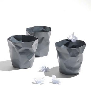 essey Mini BinBin Grayダストボックスゴミ箱インテリアクシャクシャに潰された表面アートなゴミ箱エコ素材であるポリエチレン製ギフト観葉植物の鉢カバー|bricbloc