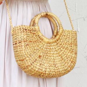 ハンドメイドで丁寧に編み込んだウォーターヒヤシンスのカゴバッグは使うごとに愛着がましていくもの!開け...