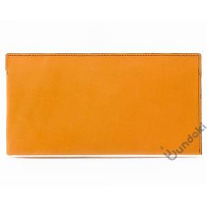 フラットで携帯しやすいペンケース。 縦横サイズが大きいため、ハサミやメモパッドなど通常は携帯しづらい...
