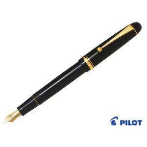 カスタム74 握りやすく太めな軸で、本格的な書き味を持った万年筆。スタンダードモデルなペン先から本格...