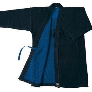 ・織を工夫し、従来の二重剣道着より20%軽量化 ・背継ぎ加工で前合わせの深い作りになっています ・ウ...