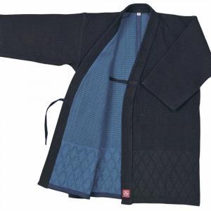 絶妙な柔らかさ・カッティングにより、美と使い易さを実現しています。  日本製の武州正藍染・背継二重織...