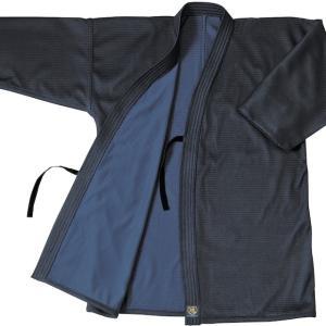 生地の風合い・色目にこだわった、実戦型のジャージ剣道着です。   最新のジャージに使用する生地ででき...