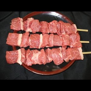 バーベキュー串焼用【国産牛モモ】1本(約200g)|butcher