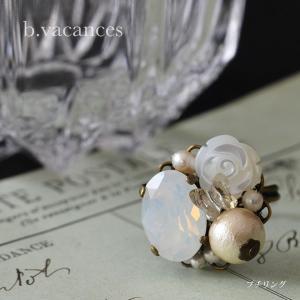 プチ・リング│ バラの香り (スワロフスキーエレメント:ホワイトオパール) / 薔薇のプチ・リング|bvacances