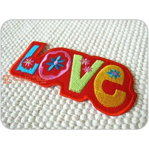 刺繍ワッペン/Loveロゴ(L)RD/ヒッピー/メール便送料無料/アイロン/アップリケ/CaJu+NiC[カジュニック]|cajunic