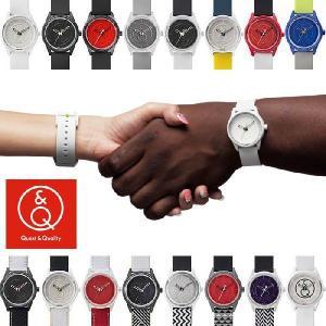Q&Q Smile Solar スマイルソーラー 腕時計 メンズ レディース ウォッチ 人気 ブランド ケイティペリー着用 白色|cameron
