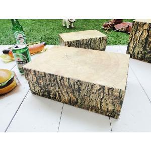 スパーンと大木を切ったようなデザインのウッディーな収納ボックスです。本物の木のデザインをリアルにプリ...