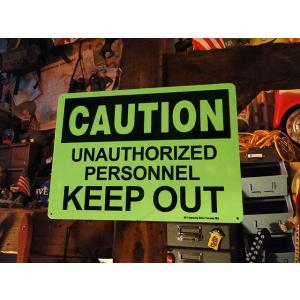 アメリカの蓄光警告サイン(関係者以外立ち入り禁止) ■ アメリカン雑貨 アメリカ雑貨|candytower