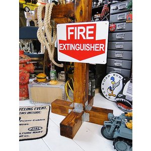 アメリカのプラスチックサインボード ヘビーオンスタイプ(消火栓) アメリカ雑貨 アメリカン雑貨|candytower