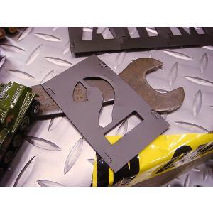 HANSON社 プラスチック・ステンシルプレート 46ピース英数字セット(2インチ) ■ アメリカ雑貨 アメリカン雑貨 アルファベット  英数字  DIY ミリタリー 塗装|candytower