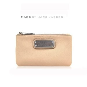 MARC BY MARC JACOBS マーク バイ マークジェイコブス キーリング付き マルチコンパクトケース NEW Q(660/ベージュ)【M0005359 660 CAMEO NUDE】|canetshop