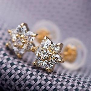 ダイヤモンドピアス H&C 0.3ct K18 イエローゴールド 0.3カラット 花 フラワーモチーフ ピアス 鑑別カード付き canitz