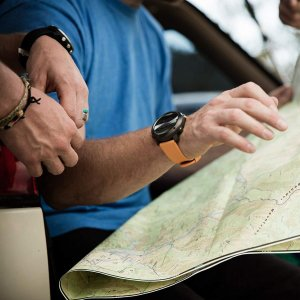 SUUNTO(スント) Traverse (トラバース) GPS搭載 ナビゲーション ルート作成可能 トレッキング 登山 オレンジ 並行輸入 caply