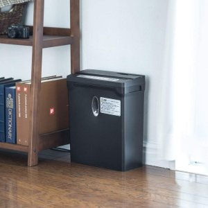 サンワダイレクト シュレッダー 家庭用 電動 クロスカット ホッチキス対応 A4 6枚細断 ブラック 400-PSD030|caply