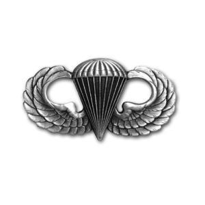 アメリカ陸軍 技能章 - パラシュート章 - いぶし銀仕上 サービスドレス胸用 米軍 ミリタリーバッジ|card-museum