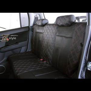 ピンクダイヤキルティングシートカバー 後席用 (ベンチシートカバー)で軽自動車に利用可です。 イージ...