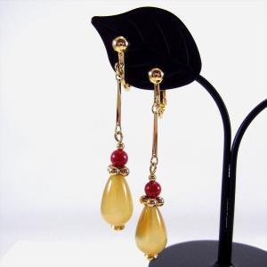 天然石 イヤリング メノウ 黄色 アップルサンゴ しずく ドロップ|cathaycoral