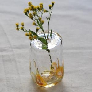 一輪挿し 手作り 花器 長方型 透明 黄色 吹きガラス 花瓶 tonari かわいい|cayest