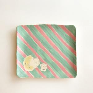 シマシマ 角皿 陶器 kikomimi 横顔男の子と猫 手作り かわいい|cayest